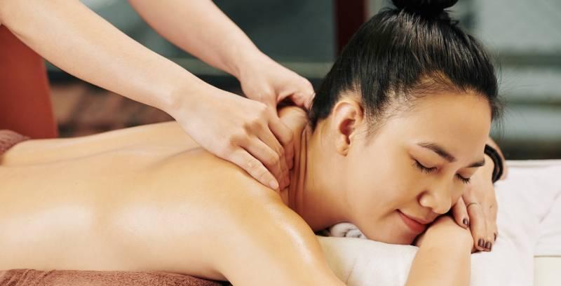tehnici masaj erotic cu ulei